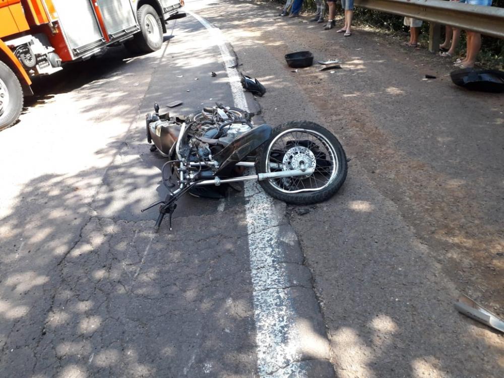 Motociclista tem perna parcialmente amputada em acidente na SC-163 em Itapiranga