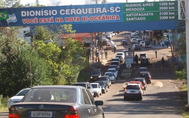 Homem perde quase R$ 4 mil ao tentar fazer compras na Argentina