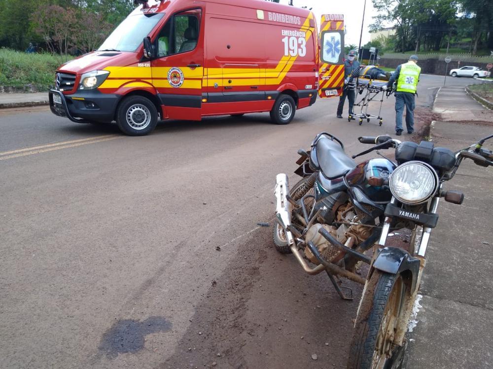 Motociclista embriagado ferido em queda no Centro de Itapiranga
