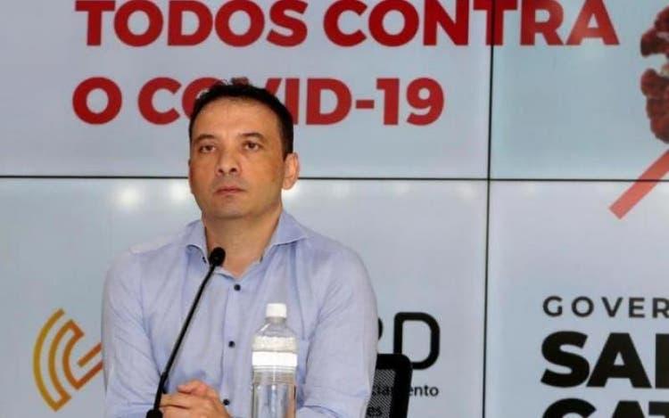 Justiça determina bloqueio de até R$ 32,5 milhões em bens do ex-secretário de Saúde Helton Zeferino