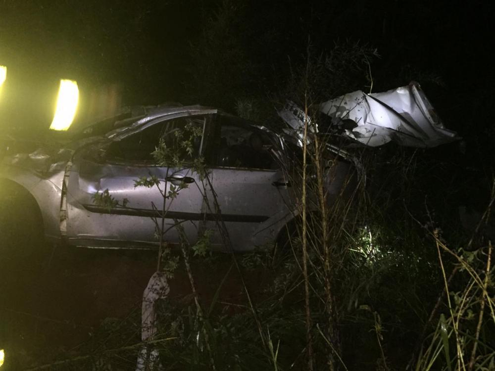 Saída de pista deixa dois mortos e dois feridos na BR-282 em Maravilha