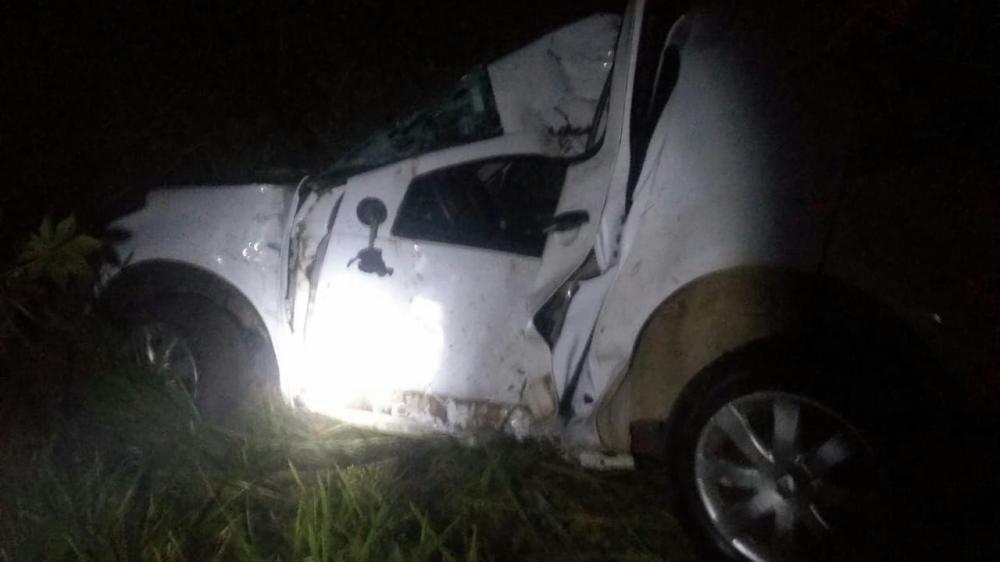 Jovem morre em saída de pista e choque em árvore na SC-283 em Caibi
