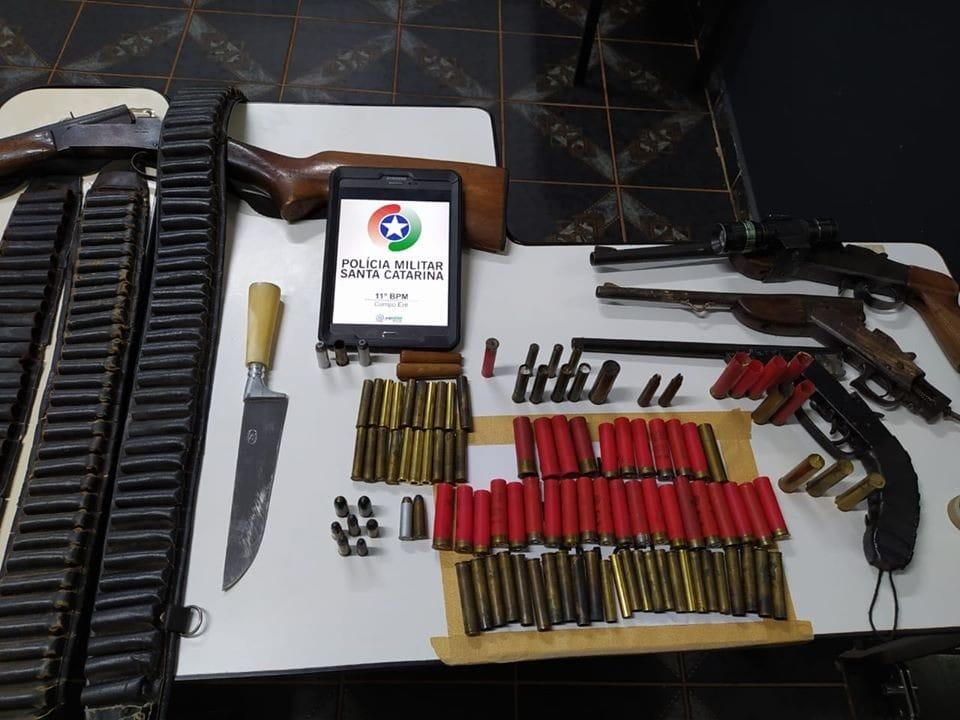 Dupla é presa por disparo e furto de armas de fogo em Campo Erê