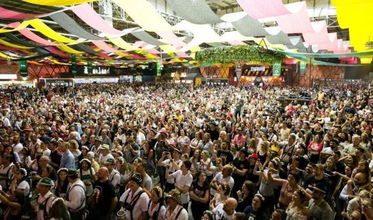 Oktoberfest Blumenau 2020 é adiada para novembro; veja as datas