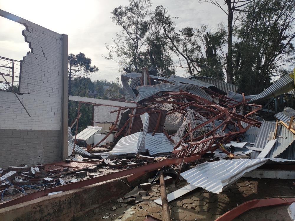 Quase 300 edificações foram atingidas pelo mau tempo em Descanso