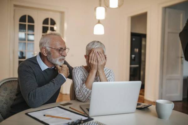 Com facilidade para empréstimo, idosos veem inadimplência disparar