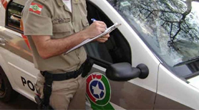 Motorista vomita durante abordagem policial e é preso em Descanso