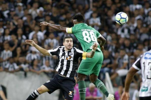 Chapecoense terá três mudanças contra o Vitória