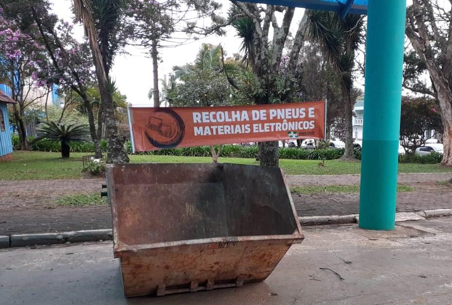 Container para recolha de materiais em desuso segue na praça central até segunda (6)