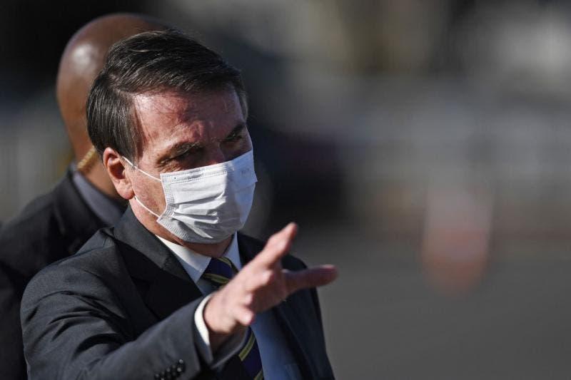 Bolsonaro vai fazer novo teste para coronavírus após apresentar sintomas da doença
