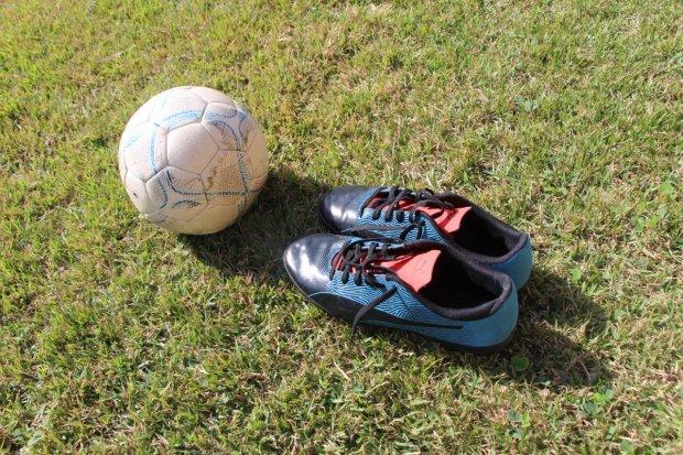 Saúde regulamenta competições de futebol em SC