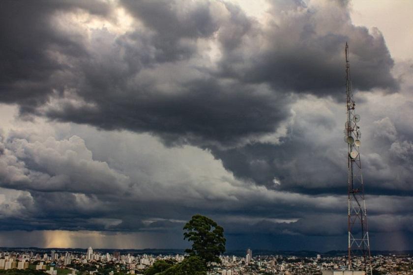 Defesa Civil divulga alerta para temporais, com rajadas de vento e granizo no Oeste de Santa Catarina