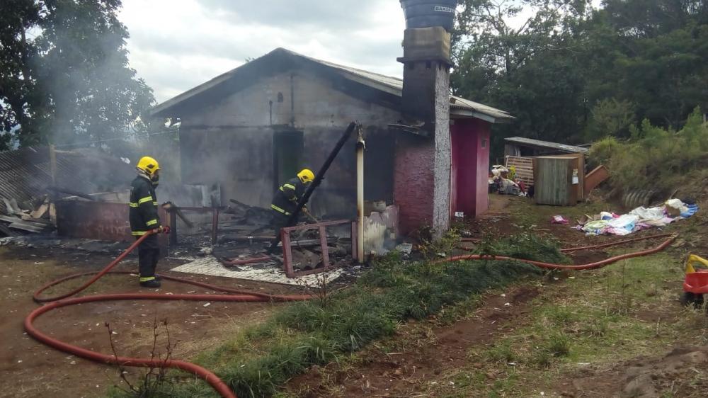 Incêndio mobiliza bombeiros no interior de Romelândia