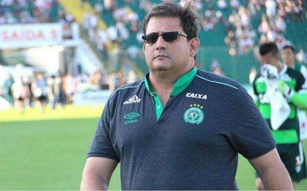 Treinador Guto Ferreira é demitido da Chapecoense