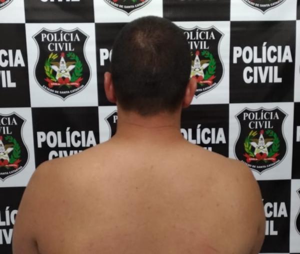 Homem é preso em Belmonte após condenação por lesão corporal em Santa Helena