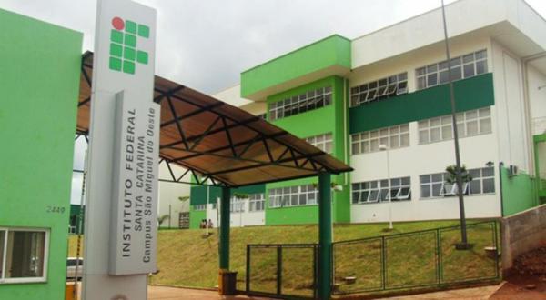 IFSC realiza semana da Ciência e Tecnologia em São Miguel do Oeste