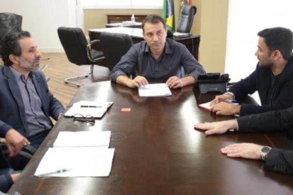 Governador eleito de SC confirma equipe de transição