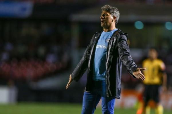 Grêmio pensa em reforços apesar de indefinição sobre Renato