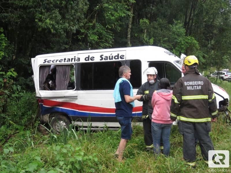 Acidente com van da saúde de Cunha Porã deixa dois mortos na BR-282