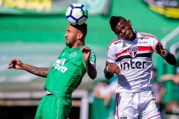 Chapecoense vence o São Paulo e se garante a Série A em 2019