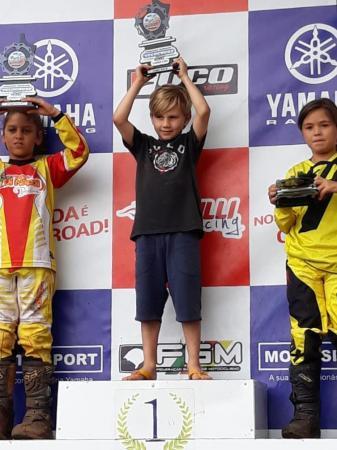 Migueloestino de apenas 06 anos é campeão brasileiro de Velocross