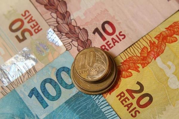 Ministério da Fazenda quer rever política de reajuste do salário mínimo