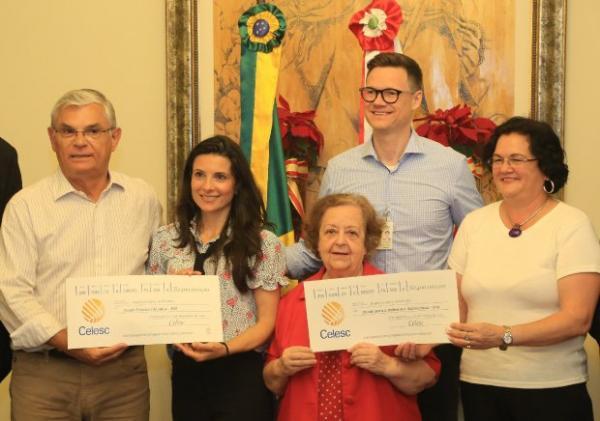 Eduardo Moreira avaliza repasse de R$ 800 mil da Celesc para fundos da Assistência Social