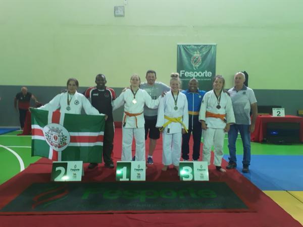Amanda Christ conquista 2º lugar no Judô durante a 18ª Olesc