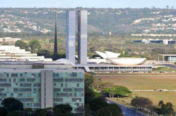 Governo Bolsonaro já exonerou quase 4 mil comissionados