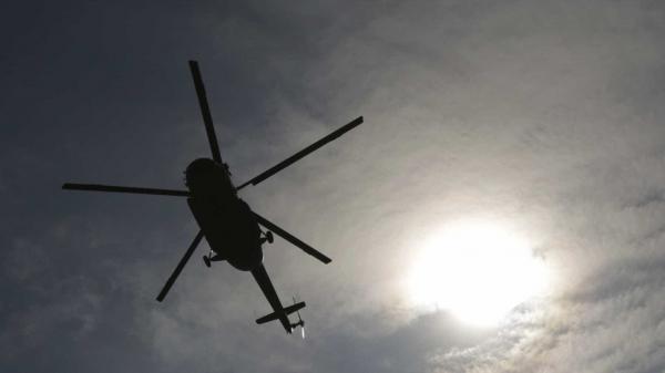 Helicóptero da PM cai no Rio durante patrulhamento e deixa um morto