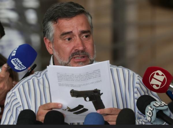 PT entrará com ação no STF contra flexibilização da posse de armas