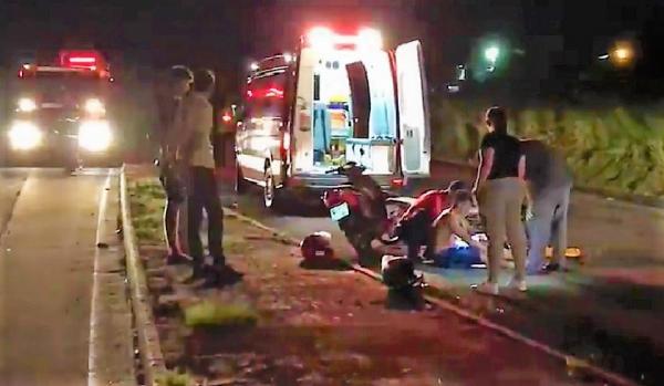 Dois feridos em queda no trevo da Terra Viva em São Miguel do Oeste