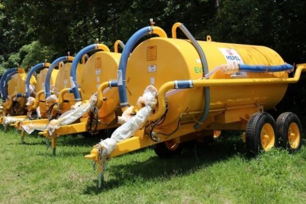 Governo do Estado de SC entrega 169 equipamentos agrícolas no Oeste