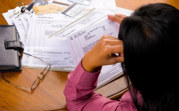 17,3% dos catarinenses começaram o ano com contas em atraso