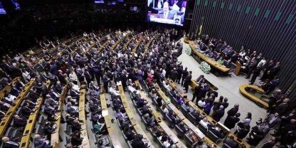 Deputados propõem 527 projetos de lei em apenas quatro dias de trabalho