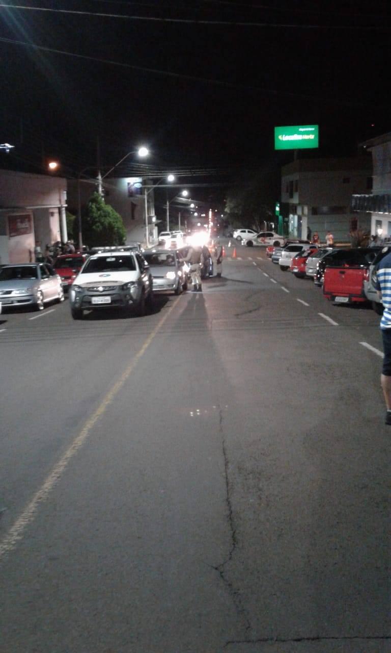 14 são presos pela PM após polêmica de consumo de bebidas alcoólicas em vias públicas de São Miguel do Oeste