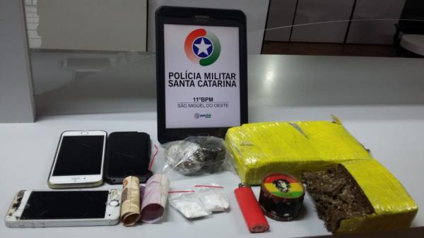 Três são presos por tráfico de drogas em operação da PM na BR-282 em São Miguel do Oeste