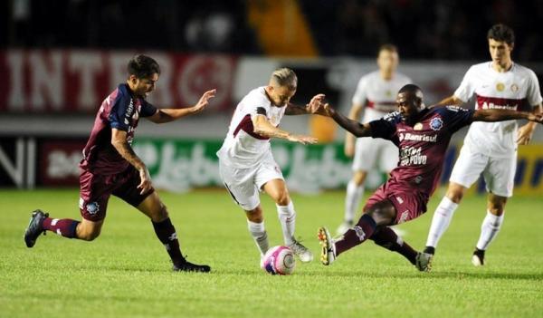 Inter tenta quebrar tabu de 2 anos contra o Caxias por 3ª vitória seguida no Gauchão