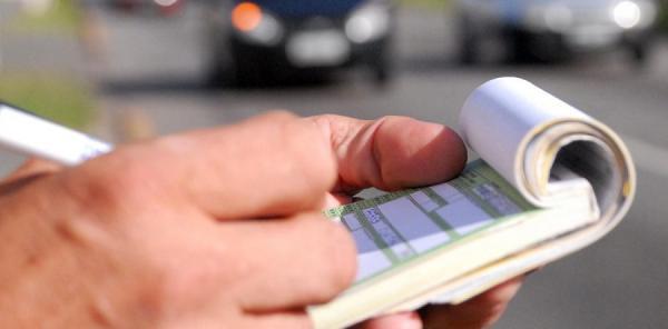 Lei estadual que restringe prazo para aplicação de penalidade de trânsito é inconstitucional