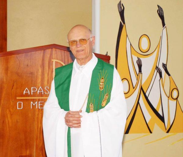 Padre de São José do Cedro morre aos 88 anos