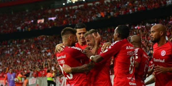 Inter vence Alianza Lima e dispara na liderança do Grupo A