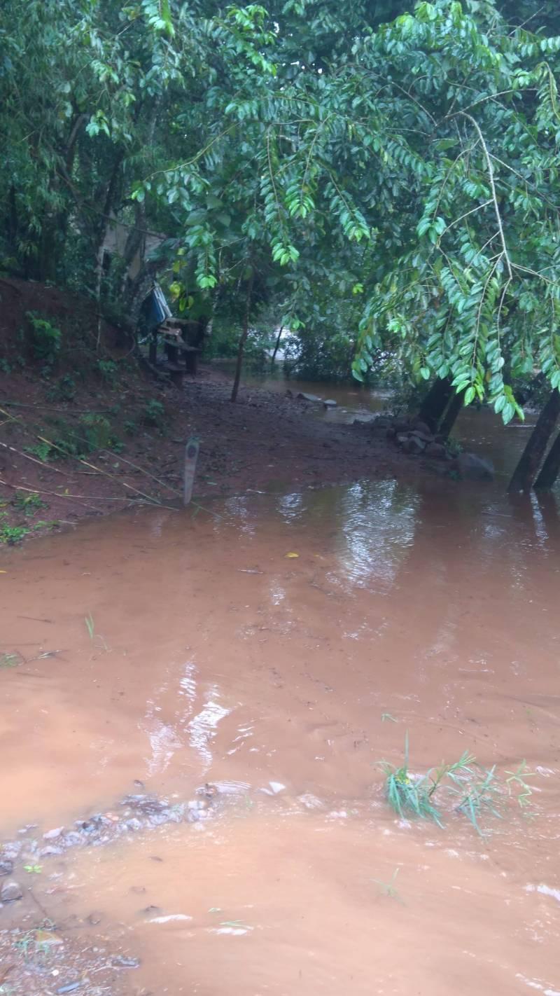 Chuva provoca alagamentos no interior de São Miguel do Oeste