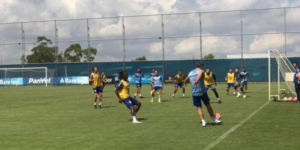 Paulo Miranda e Marinho devem ficar fora do jogo contra o Juventude
