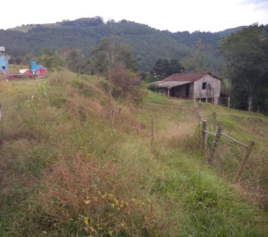 Mulher é encontrada morta em propriedade rural no interior de Barra Bonita