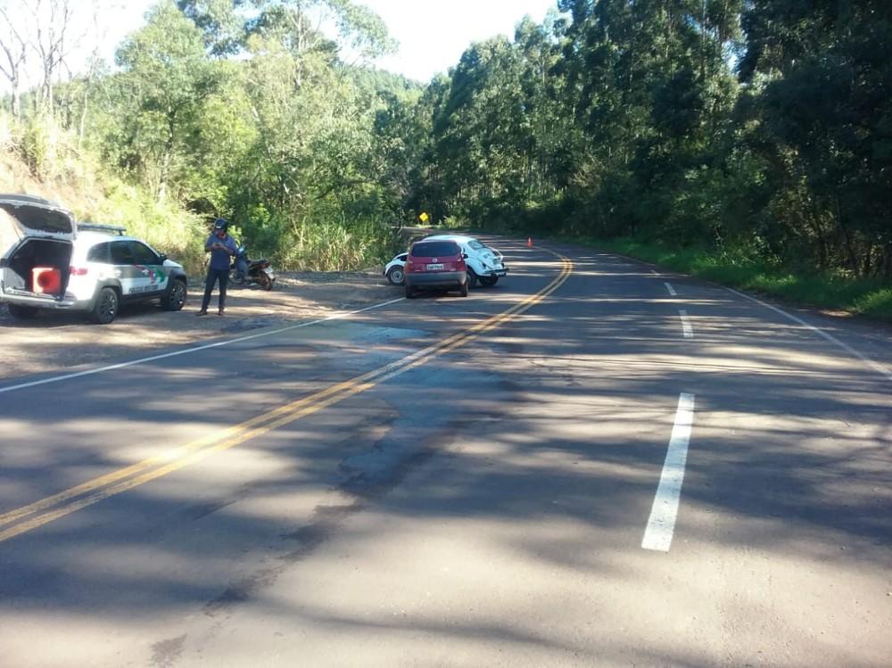 Idoso ferido em acidente na SC-305 em Anchieta