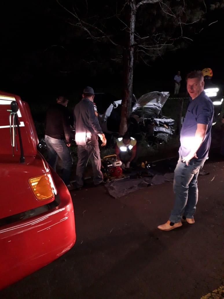 Homem morre em saída de pista e choque em árvore na SC-161 em Romelândia