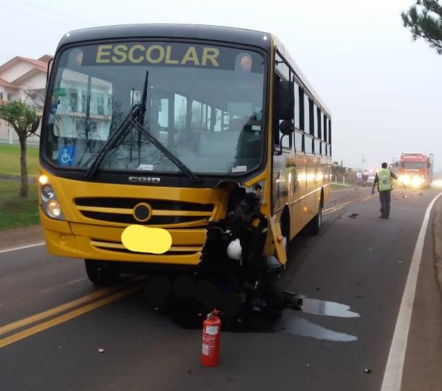 Jovem morre em colisão entre moto e ônibus na SC-163 em São João do Oeste
