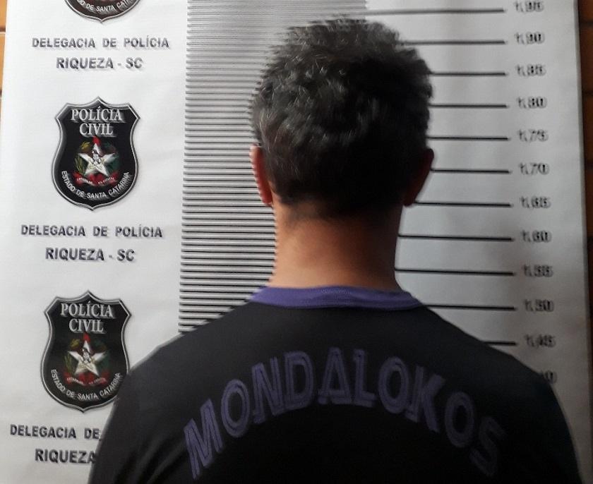 Homem é preso em Riqueza por manter relação sexual com menor de idade