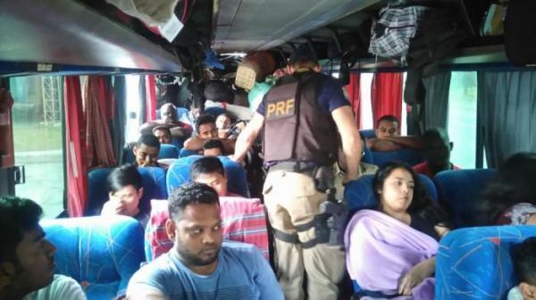 MPT e MTE devem investigar imigrantes flagrados na BR-282 em situações precárias