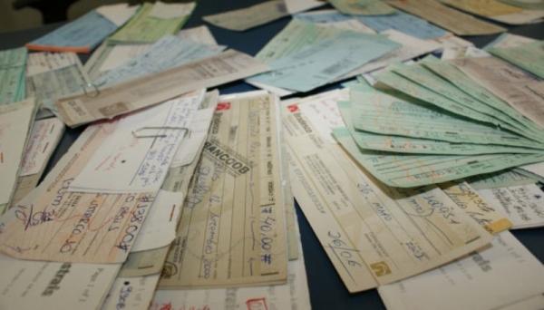 Índice de cheques devolvidos por falta de fundos é de 1,83%, o menor em 8 anos